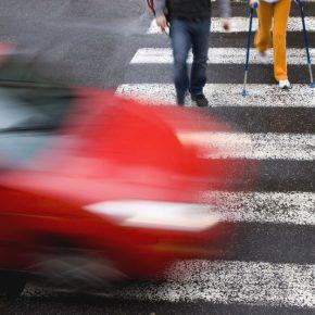 Как правильно пропускать пешеходов — разъяснит правительство