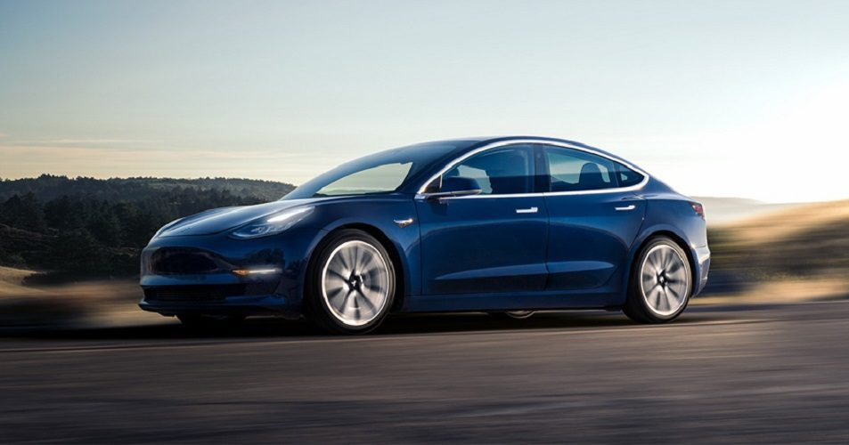 Tesla Model 3 в России: известны сроки и другие подробности