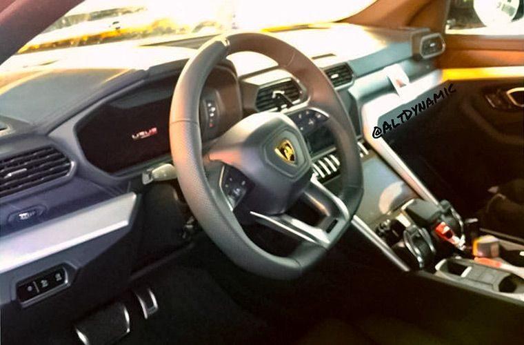 Lamborghini Urus 2018 фото салона
