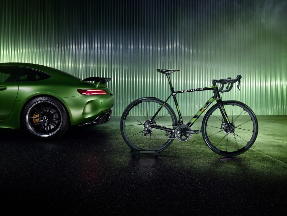 Mercedes-AMG продает карбоновый велосипед по цене «Логана»