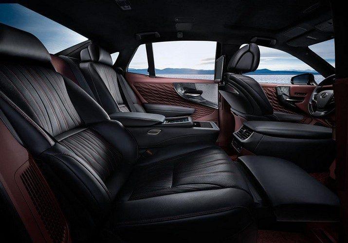 Lexus LS 2018 в России