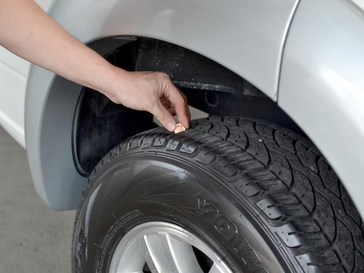 Почему надо обязательно менять местами шины на авто