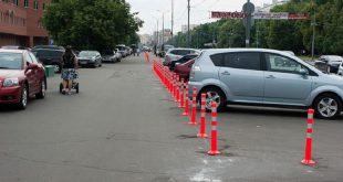 Как за сбитый на парковке столбик водителя лишили прав