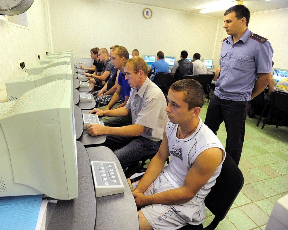 В России хотят переэкзаменовывать при замене прав