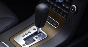 Почему опасно включать «нейтраль» у автоматической КП на светофорах