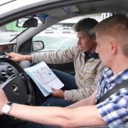 В России хотят запретить управление автомобилем до 21 года