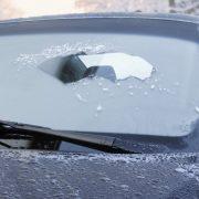 Чем опасен лед на кузове?