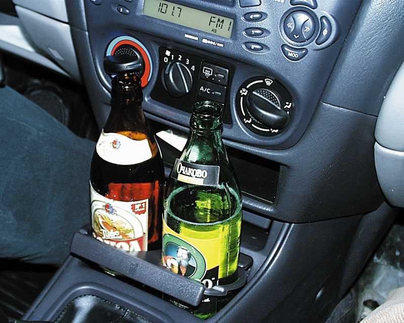 Верховный суд разрешил выпивать в припаркованном автомобиле