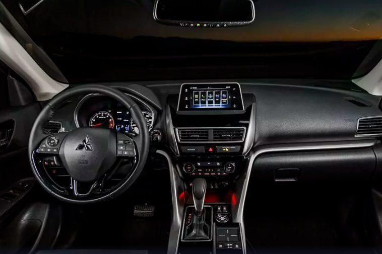 Mitsubishi Eclipse Cross 2018 цена в России