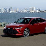 Toyota Avalon 2018: фото, характеристики, цена и комплектации