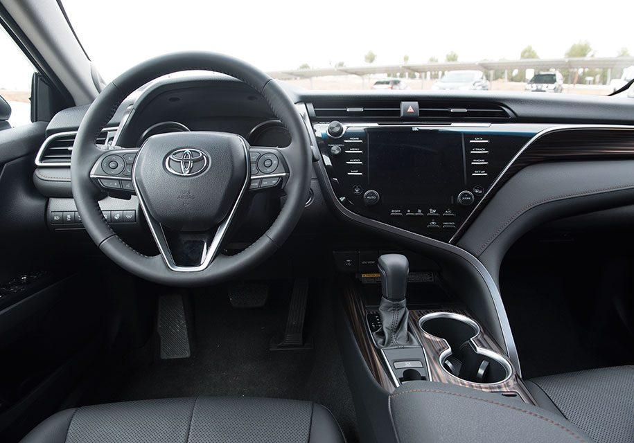 Новый Тойота Камри 2018: фото, цена, комплектации