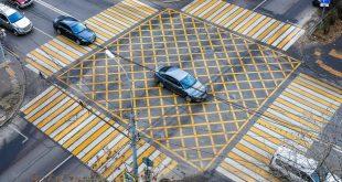 Вафельная разметка на перекрестках: теперь официально в ПДД