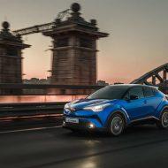 Обновленная Toyota C-HR: известна цена в России