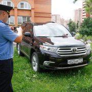 Парковка на газоне или на тротуаре? Что дешевле и почему?
