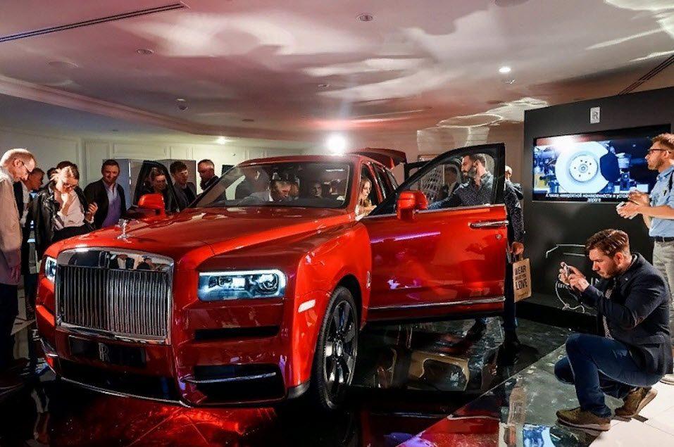 Rolls-Royce Cullinan 2018: фото, характеристики и цена в России