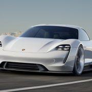 Taycan: электроспорткар с душой Porsche