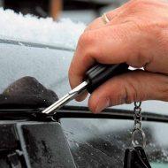 Сел аккумулятор: как открыть машину?