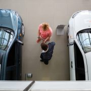 Регистрация автомобилей у дилеров: основные требования