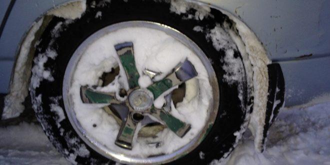 Как избавиться от налипания снега на подкрылках и порогах?
