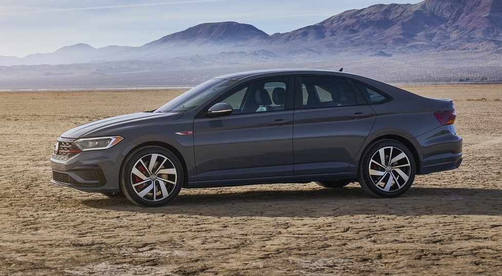 "Volkswagen Jetta GLI 2019: подробности о ""заряженной"" версии"