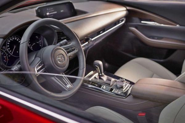 17-Mazda-CX-30-2020
