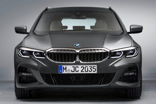 BMW-3 Series-Touring-2019-3