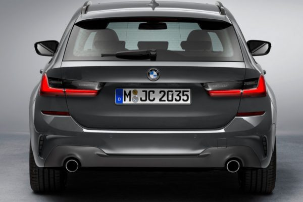 BMW-3 Series-Touring-2019-4