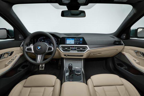 BMW-3 Series-Touring-2019-5