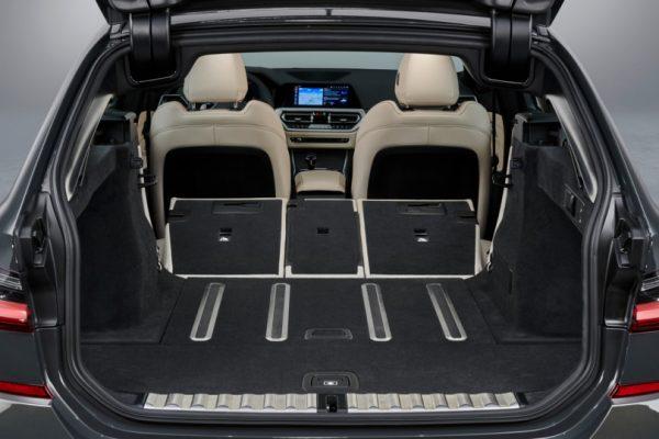 BMW-3 Series-Touring-2019-7