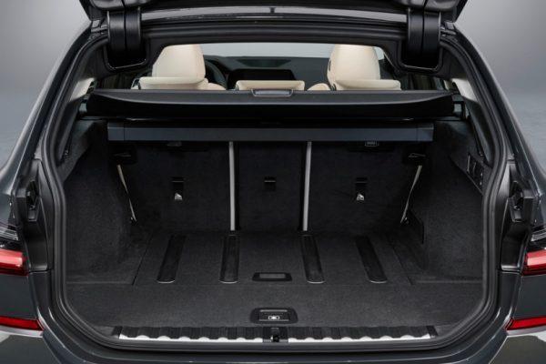 BMW-3 Series-Touring-2019-8