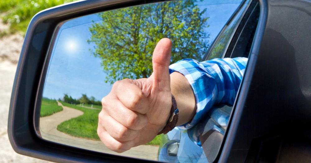 Язык водителей: что означают жесты и световые сигналы?