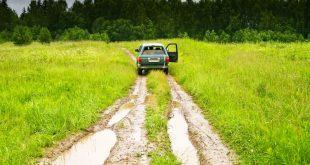 8 правил безопасного вождения на грунтовке