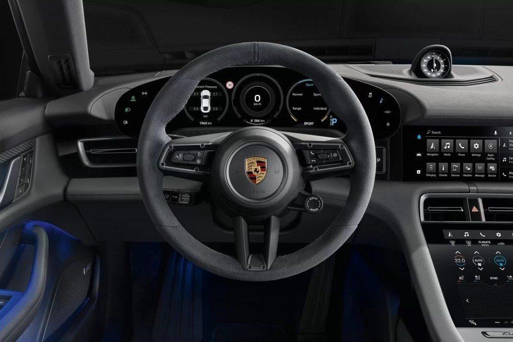 Porsche Taycan 4S фото