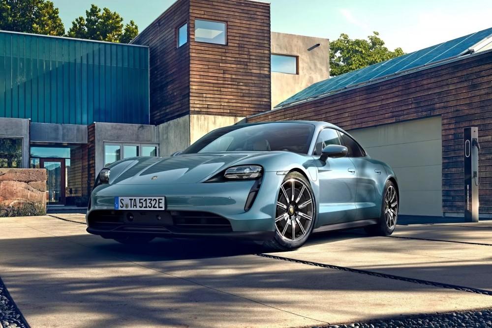 Porsche Taycan 4S: все подробности о новой дешевой версии