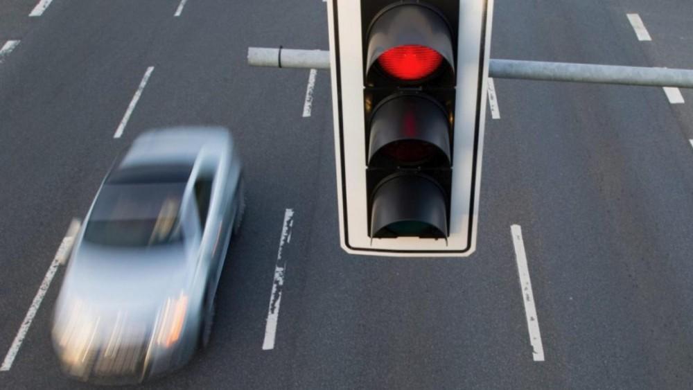 Новая разводка от гаишников на светофоре