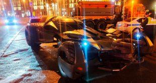 ГИБДД на службе Пингвина или почему задержали бэтмобиль в Москве