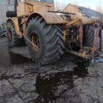 Зачем трактору заливают воду в колеса?