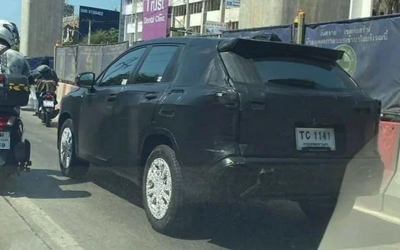 Toyota Corolla Cross 2021: первые подробности и фото