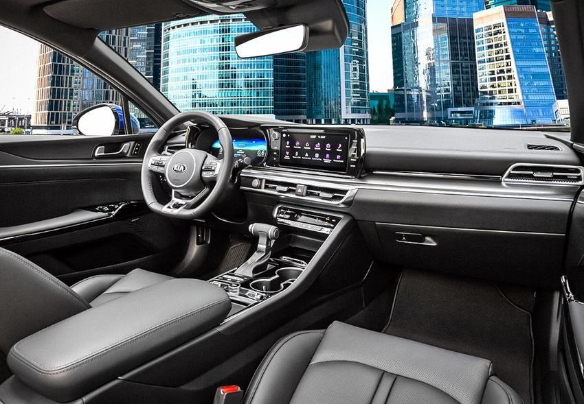 Новый Kia K5 2020: цена и комплектации в России