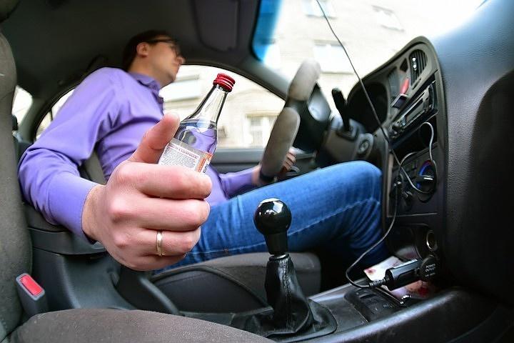 Наказание для пьяных водителей с детьми в машине увеличат в 3 раза