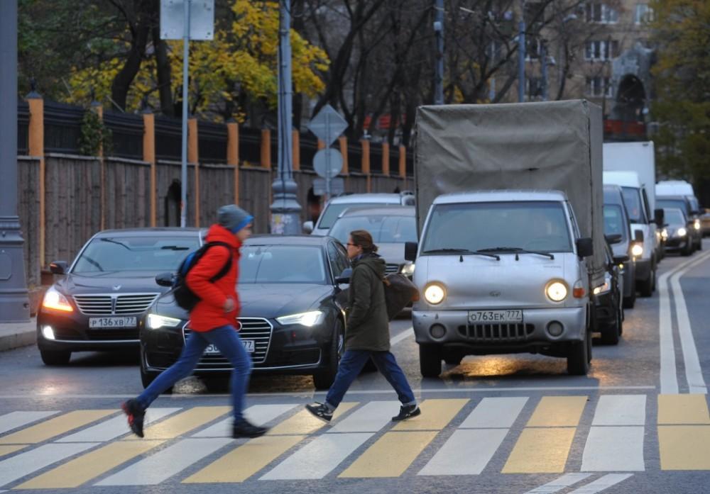 Инспекторы ГИБДД не смогут штрафовать водителей на пешеходном переходе