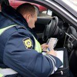 Инспектор ГИБДД сел в вашу машину: когда это законно?