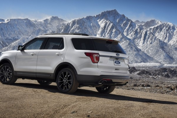 Ford Explorer XLT Sport Appearance Package 2017  (1)